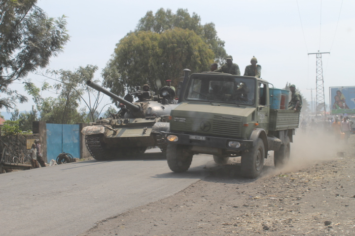 One of three Congolese army tanks driving towards the provincial capital of Goma.