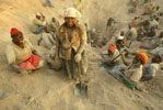 Zimbabwe Agrees to Remove Soldiers from Diamond Mines