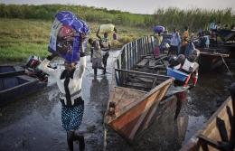 Displaced persons arrive in Bor, South Sudan (AP)