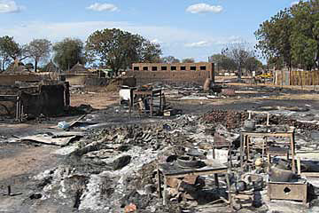 Buildings in Abyei burned to the ground