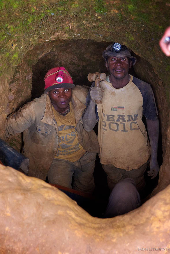 Wall Street Journal Highlights Congo's Conflict Gold Trade: U.S. Should Sanction Smugglers